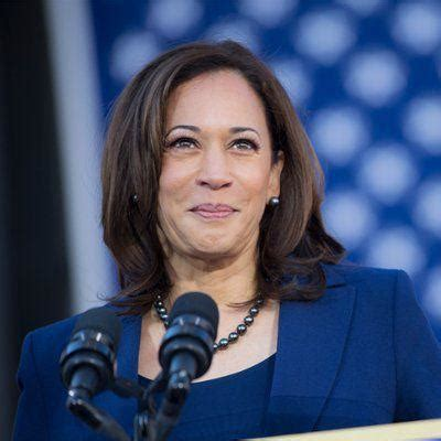 indian american presidential candidate sen kamala harris confronts