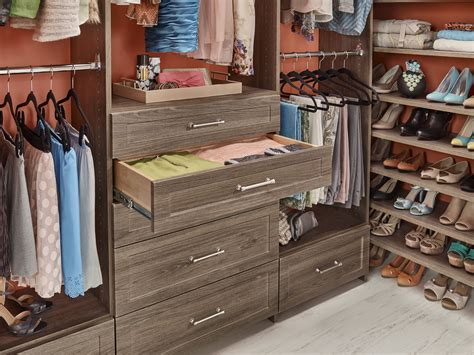 Emerson Closetmaid by Closetmaid 174 Expands Mastersuite 174 With New Designs