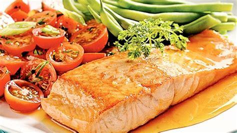 cuisiner filet de saumon filets de saumon grillés à l 39 érable recettes de cuisine