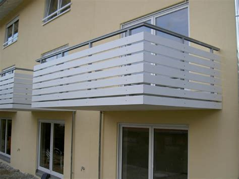 Balkongeländer Verkleidung Kunststoff balkone missel glossar