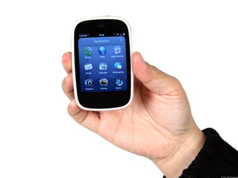 small smartphone 10 flaws in mobile phone design including the poor
