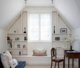 regalsysteme schlafzimmer 30 cozy attic home office design ideas