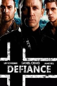 Defiance Movie Review & Film Summary (2009) | Roger Ebert