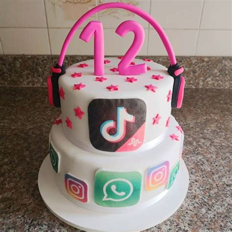 tik tok party theme - Google Search in 2020 (With images ...