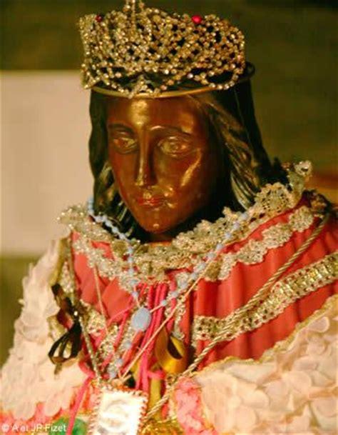 chambre d hotes provence pélerinage gitan des saintes maries de la mer avignon et