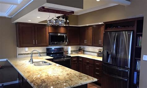 green bay kitchen kitchen gallery distinctive cabinets 3970
