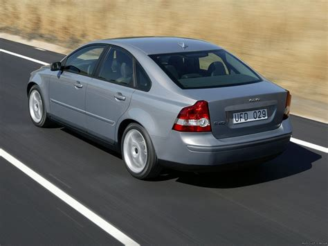 2004 Volvo S40  Information And Photos Momentcar