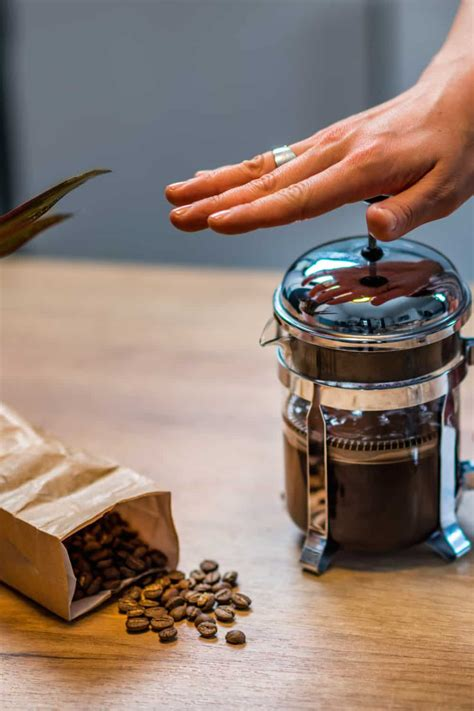 Dump water, add correct amount of coarse ground coffee and put on lid (leave plunger up). How Many Tablespoons Of Fresh Ground Coffee Per Cup ...