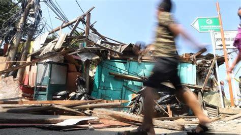 rumah korban crane jatuh   item ternyata ilegal tak