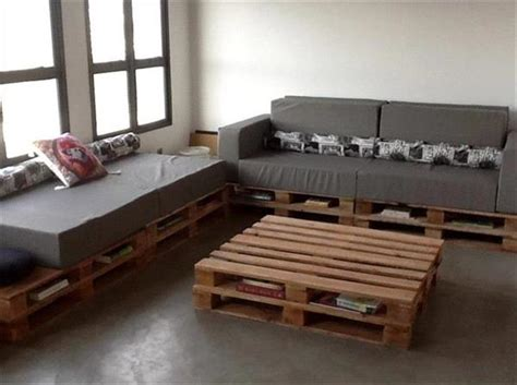 Increase Sitting Space With Pallet Corner Sofa