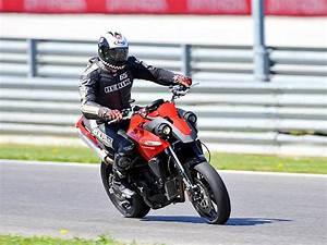 Moto Et Motard : nouveaut 2010 un supermotard chez moto morini moto magazine leader de l actualit ~ Medecine-chirurgie-esthetiques.com Avis de Voitures