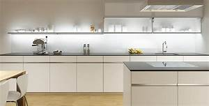 Küchen Unterbauleuchte Mit Steckdose : konstruktionsboden gera leuchten und lichtsysteme ~ Markanthonyermac.com Haus und Dekorationen