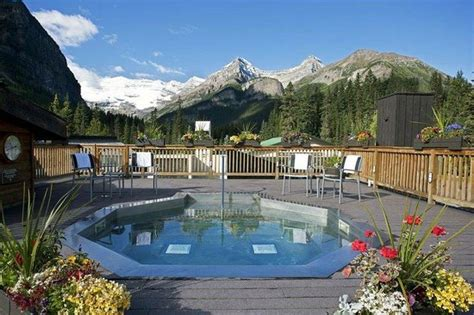 hotels in banff with tub deer lodge updated 2018 prices hotel reviews lake