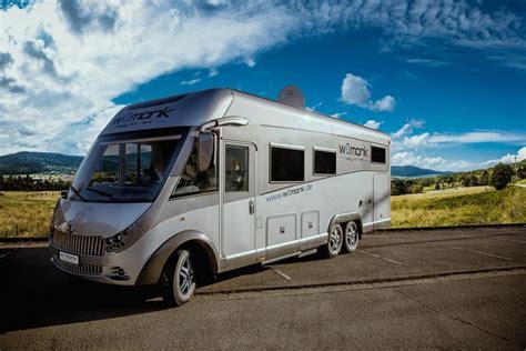 wohnmobil für 4 personen wohnmobil carthago e line 55 xl luxusliner cer