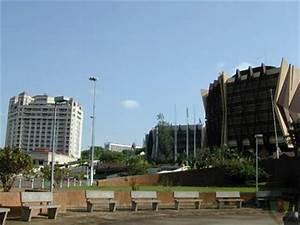 Ville Du Cameroun En 4 Lettres : centre ville yaound cameroun ~ Medecine-chirurgie-esthetiques.com Avis de Voitures