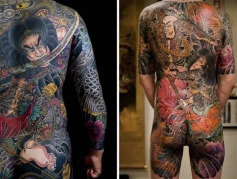 die riesigen tattoos der japanischen mafia haben
