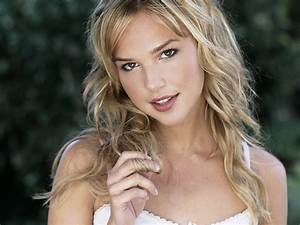 Arielle Kebbel Hot Pictures Photo Gallery Wallpapers