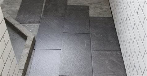 whats   tile layout   bathroom straight