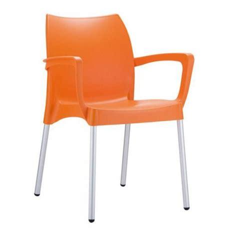 chaise en plastique chaise de jardin empilable en plastique orange achat