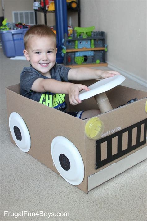 box car for kids 25 bästa cardboard box cars idéerna på pinterest disney