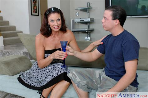 Vanessa Videl And Trent Soluri In My Friends Hot Mom