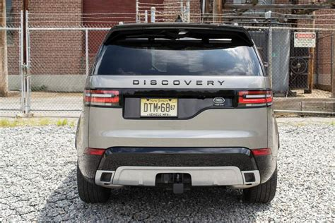 discovery land rover back ratings and review 2017 land rover discovery hse luxury