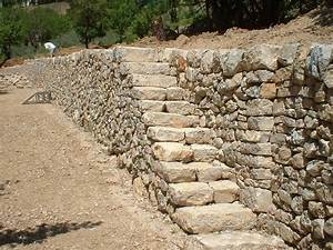 Construction En Pierre : la verdi re restauration d 39 un mur en pierre s che de ~ Premium-room.com Idées de Décoration