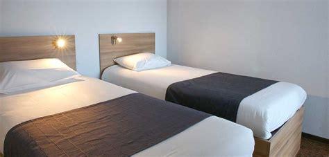description d une chambre d hotel votre chambre d 39 hôtel au centre de la bretagne