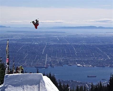 Snowboarding Big Air