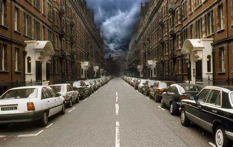 create  photo manipulation   flooded city scene