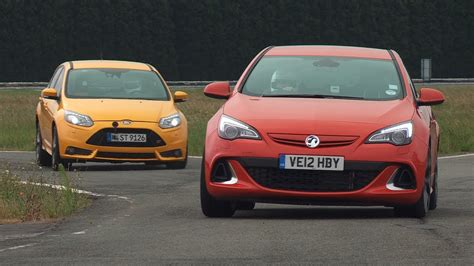 Opel Uk by Ford Focus St Vs Vauxhall Opel Astra Vxr Www Autocar Co