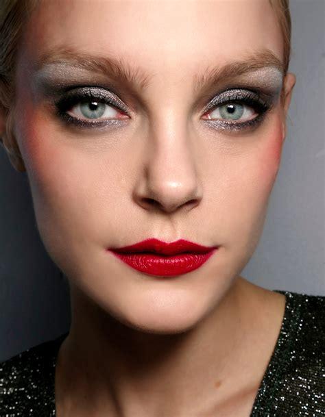 comment maquiller des yeux bleus maquillage des yeux bleus verts comment maquiller des yeux bleus