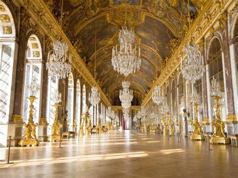 chambre de la reine versailles château de versailles château trianon hameau de la