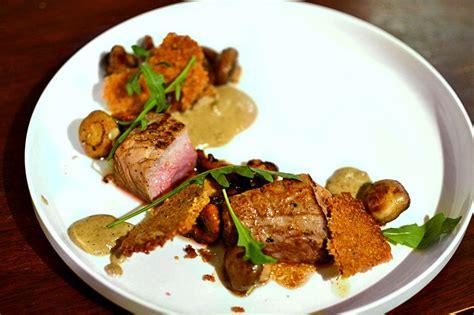 recette de cuisine gastronomique de grand chef pavé de veau chignons à la crème et crumble de noisettes