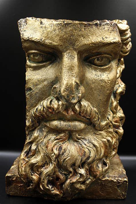 Zelta vīrs ar bārdu - Lakstos