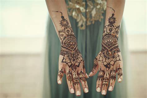 indian wedding  italy mehndi party  carmignano hills