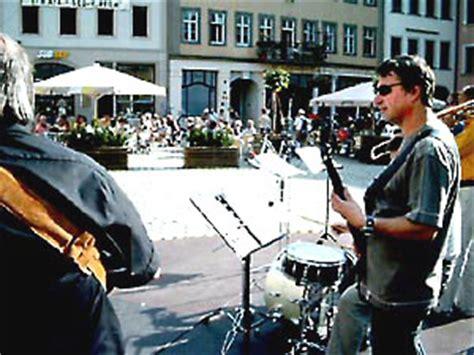 gruppe dixiewelt mit life musik auf dem geraer markt gera