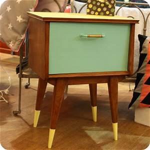 Table De Chevet Jaune : meubles vintage consoles petits meubles table de chevet fifties fabuleuse factory ~ Melissatoandfro.com Idées de Décoration