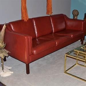 Canape design danois borge mogensen en cuir rouge paul for Canape design danois