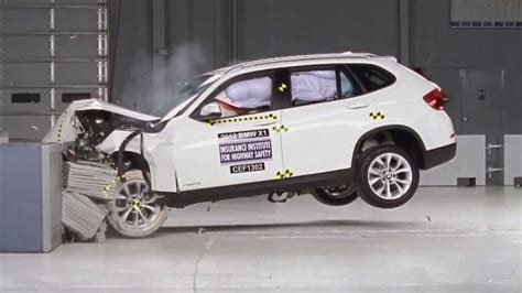 crash test siege auto 2013 2013 bmw x1 crash test iihs moderate overlap test