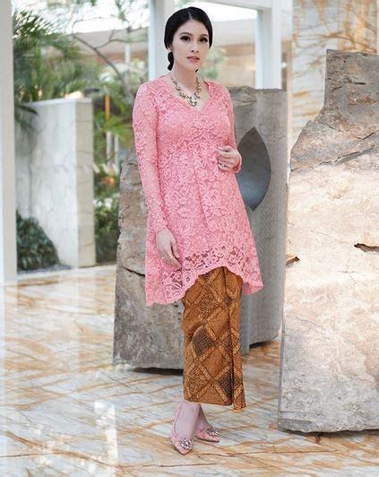 Sandra Dewi Hamil 5 Gaya Hamil Fashionable Sandra Dewi Uzone