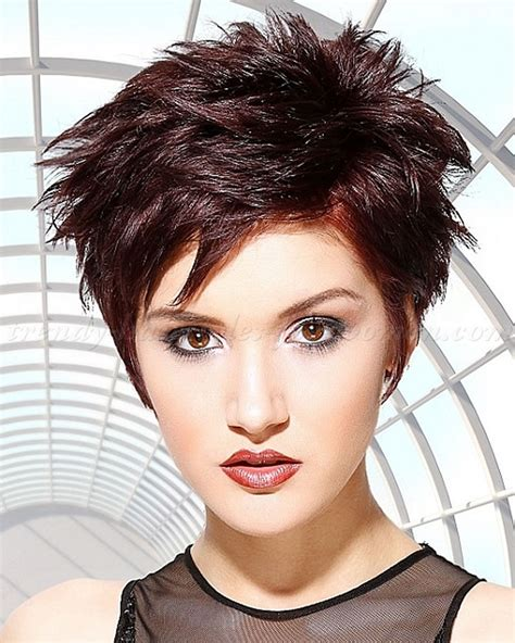 Short Spiky Haircuts & Hairstyles For Women 2018  Page 3