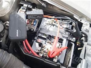 Zweite Batterie Im Auto : batterie aufladen auto 5 tipps bei leere batterien ~ Kayakingforconservation.com Haus und Dekorationen