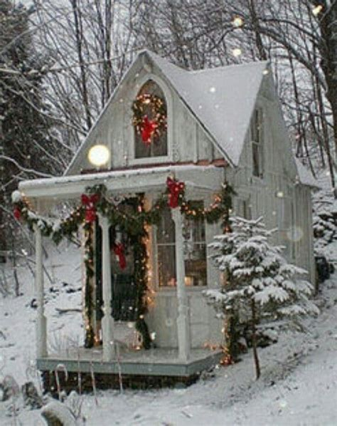 tiny christmas cabin sandras  cottage