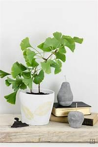 Blätter Pressen Schnell : goldener herbst blattdruck auf blumentopf zwo ste ~ Markanthonyermac.com Haus und Dekorationen