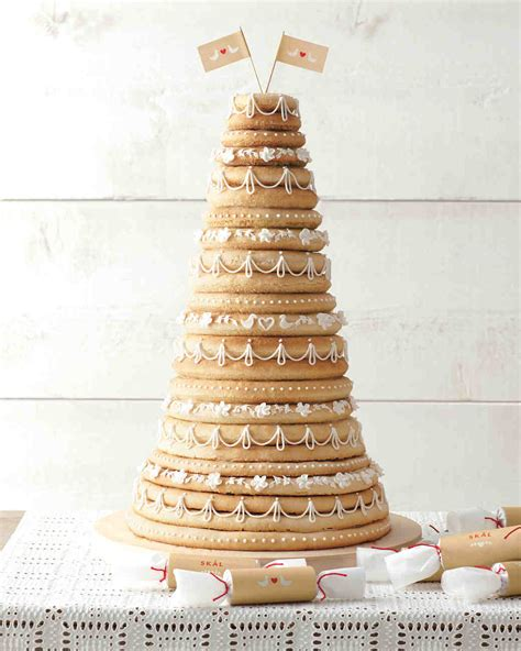 Worldly Batters 5 Wedding Cakes From Around The Globe