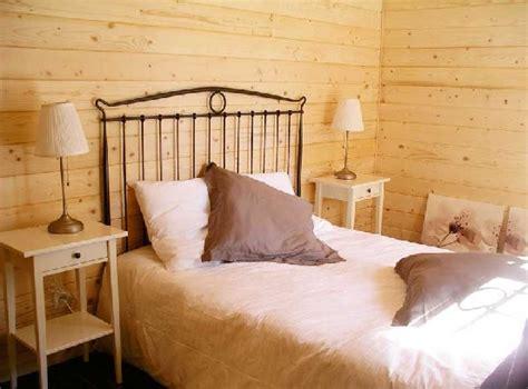 chambre en lambris bois maison en bois à petit prix les maisons xe à 60 000