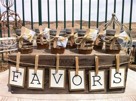 rustic wedding favors ideas pass the to your guests