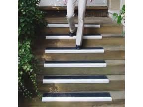 Couvre Marche Escalier Beton by Nez De Marche Antid 233 Rapant Fournisseurs Industriels