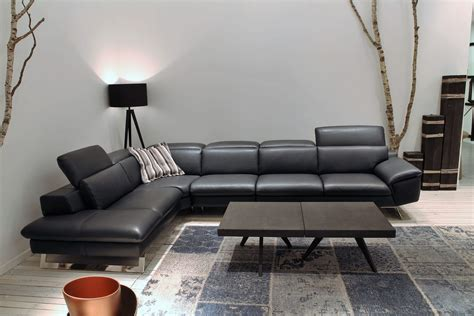 Corner Sofa In Leather With Adjustable Backrest